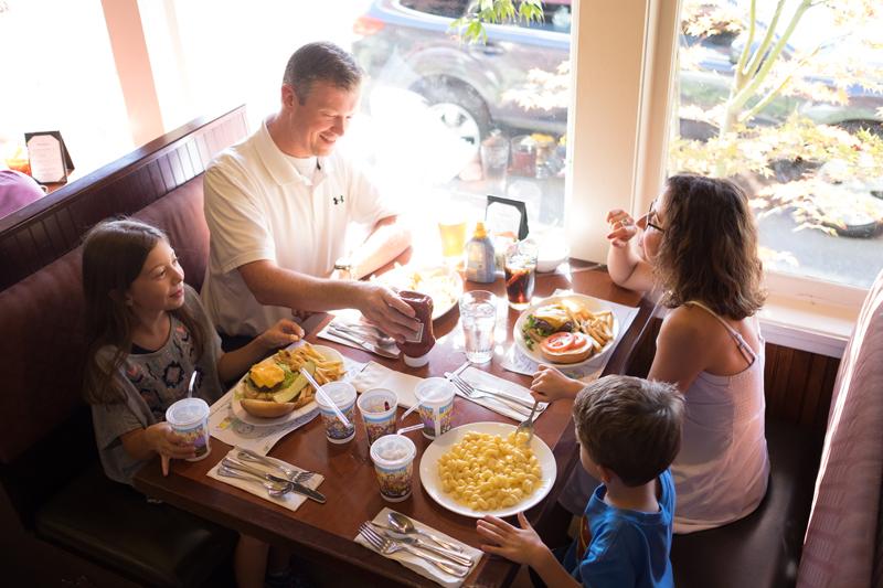 The-Roadhouse-Restaurant-Inn-Family